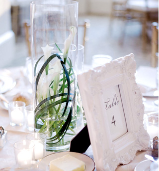 fuji-floral-table-card-and-centerpiece